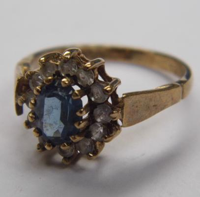 9ct gold blue topaz cluster ring, size N 1/2