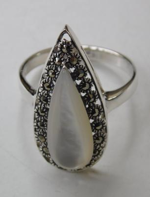 Silver pearl & marcasite ring