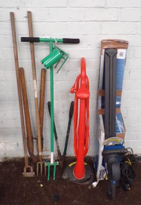 Electric hedge cutter and a strimmer - both in working order with assorted garden tools