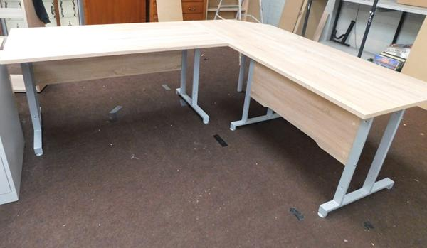 Large modern corner three piece desk (can be split into two desks)
