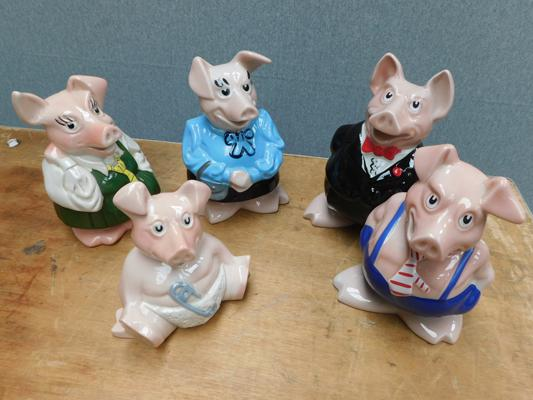 Full set of Nat West pigs with stoppers
