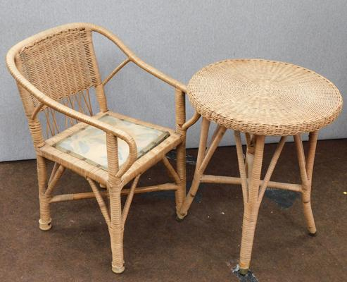 Childs wicker chair & table