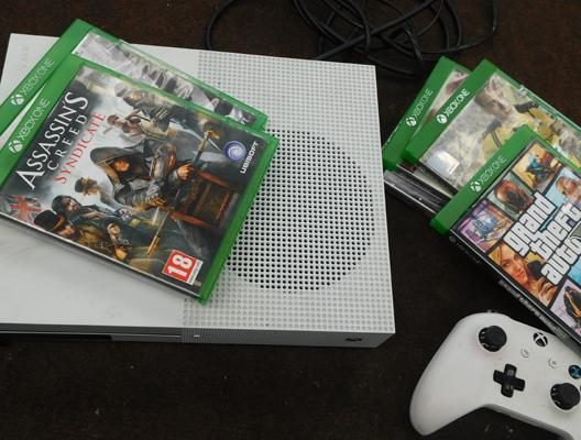 XBox One S with games & controllers W/O