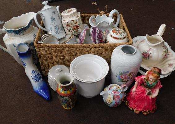 Large collection of mixed ceramics