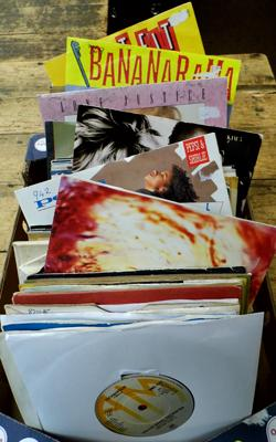 Selection of approx. 120 singles, incl. Tubeway Army, Yellow Magic Orchestra, The Vapours
