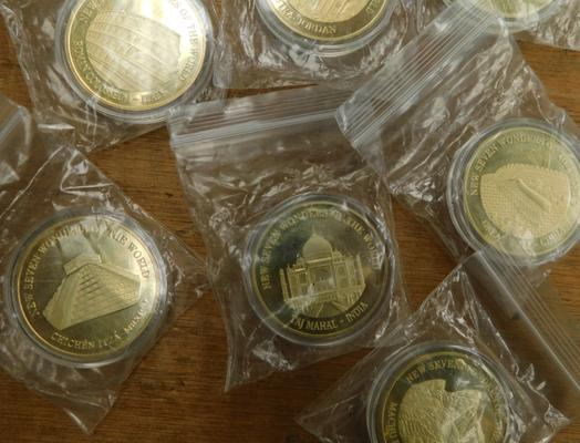 7 x Seven Wonders of the World Collector coins