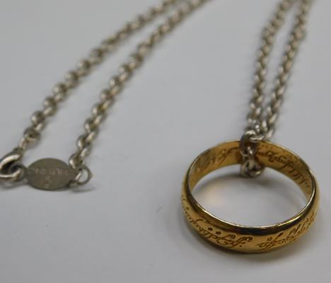 Genuine Lord of the Rings NLP INC ring & chain
