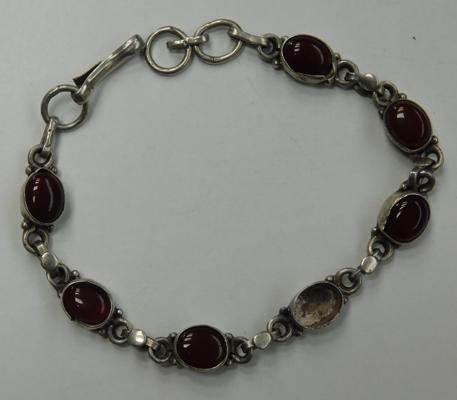 Vintage sterling silver red stone bracelet (missing a stone)