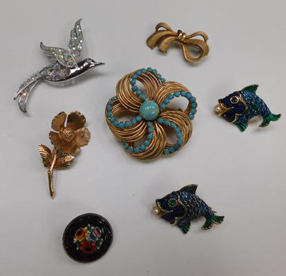 7 vintage brooches incl. micro mosaic
