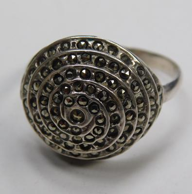 Vintage marcasite silver ring (marks to  band)