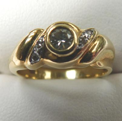 18ct gold Diamond ring. Size L