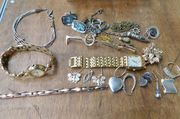 Assortment of jewellery, incl. 925 silver & gold on silver