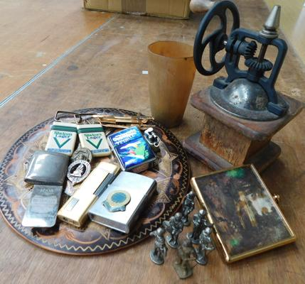 Assortment of vintage gents items