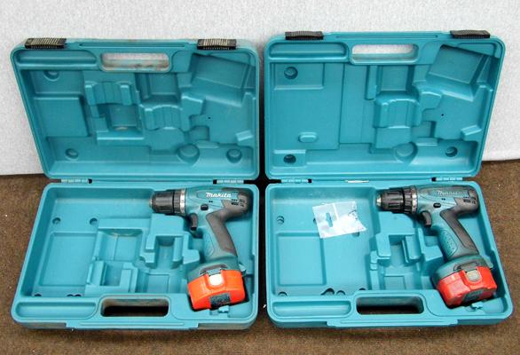 2 x Makita cased drills, no charger, as seen