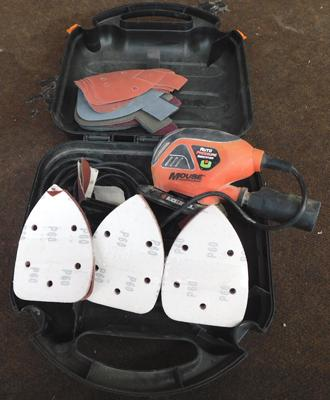 Black and Decker sander and refill pads in working order