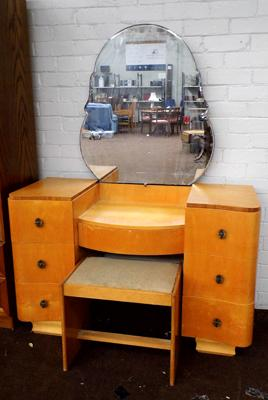 Retro mirrored dressing table and stool