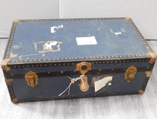 Travel trunk - approx. 36 x 20 x 13 inches