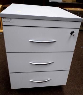"3x Drawer filing cabinet on wheels with key - 22"" tall"