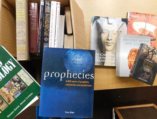 Large box of reference books, mainly world & ancient interest