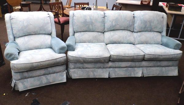 3 seater settee and matching armchair