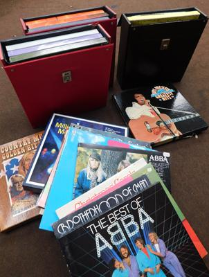 Collection of vinyl and boxed vinyl including 3 vintage cases