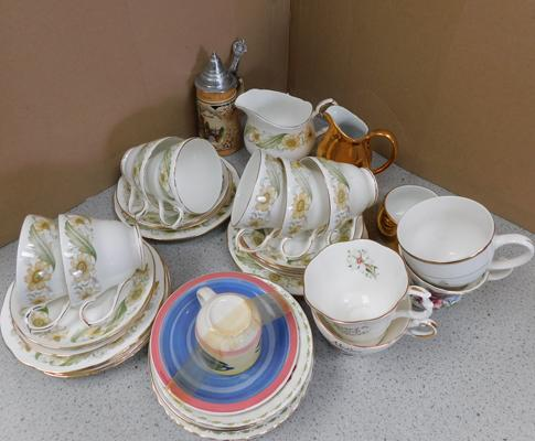 Mixed collection of ceramics inc. Royal Worcester, Duchess and Hornsea