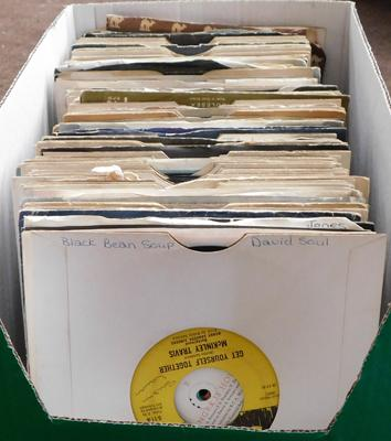 Box of singles, 45s, approx. 140 in box