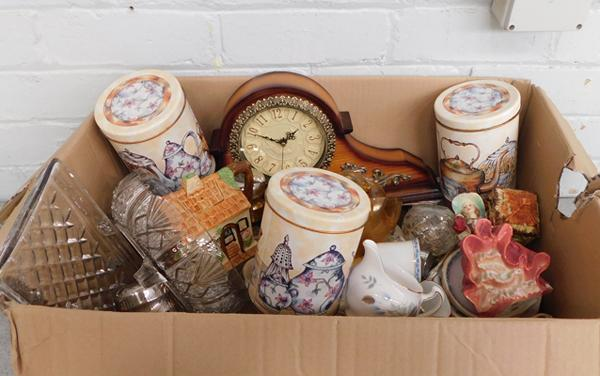 Box of mixed collectables inc. Colclough china etc