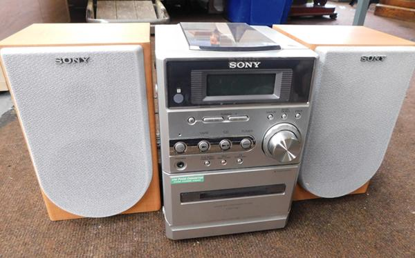 Sony Micro CD player & speakers - W/O