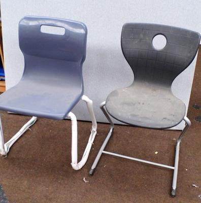 2 x plastic chairs