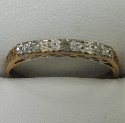 9ct gold eternity ring, size P 1/2
