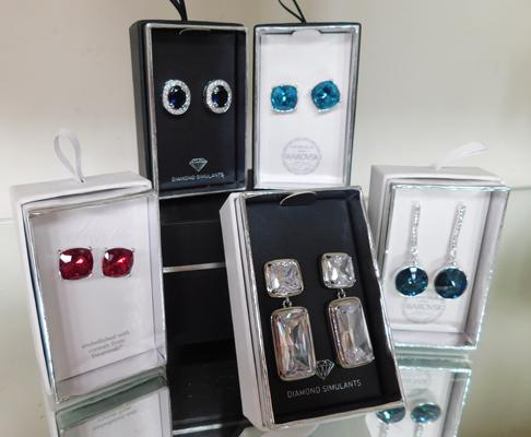 Five boxed sets of earrings - incl. 3 Swarovski crystal