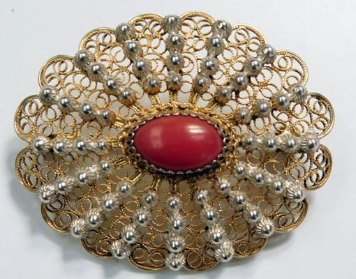 1930s silver & coral brooch (stamped 800 silver)