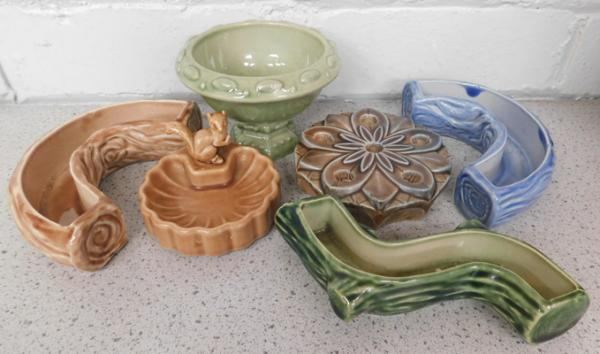 5 x pieces of Wade, incl. posy Logs, holder, pin tray, small vase
