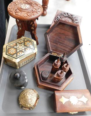 Tray of treen items, incl. inlaid trinket boxes
