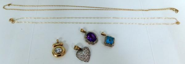 4x 9ct gold pendants and 2x chains