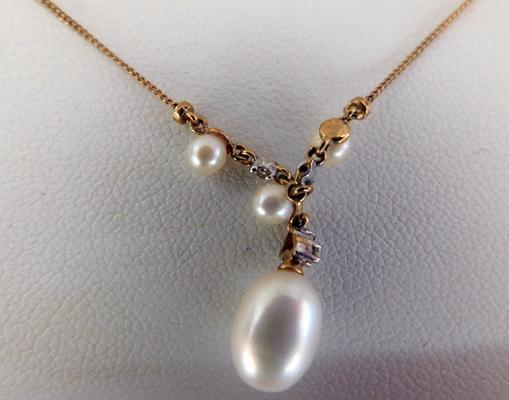 9ct gold seed pearl & diamond necklace