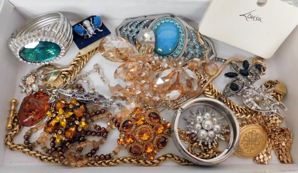 Box of costume jewellery, gold tone & crystal