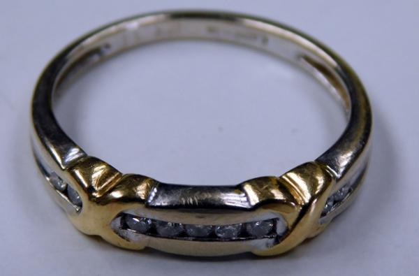 9ct yellow and white gold diamond ring - size L