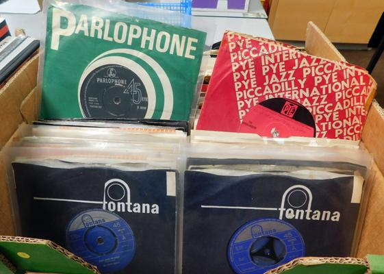 Good selection of mainly 1960s singles, for record fairs/shops etc..., incl. Pretty Things, Mind Benders, The Stones