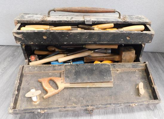 Large wooden joiners box with large number of tools incl. chisels