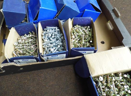 8x Boxes of wall bolts