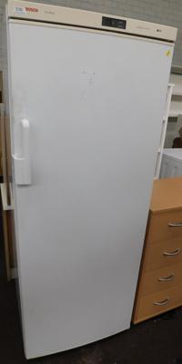 Bosch freezer, approx. 60 inches tall - W/O