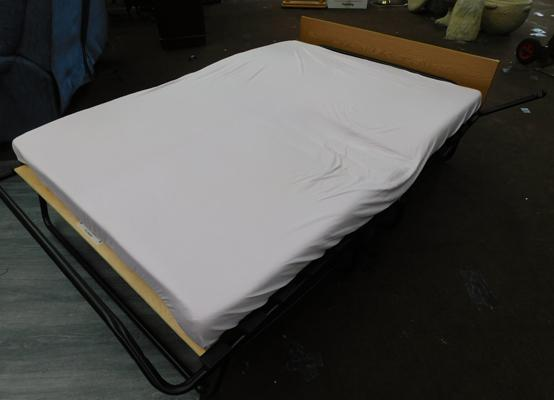 Folding double Z bed with mattress & cover