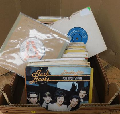 Box of 1960s singles, incl. the Honeycombs, Frankie Avalon, P.J. Proby