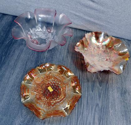 3x Carnival glass dishes