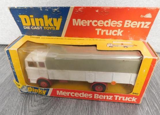 Dinky diecast boxed Mercedes Benz truck 940