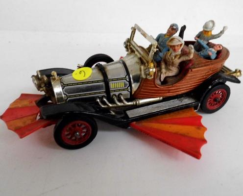 Original Corgi Toys no 266 Chitty Chitty Bang Bang car complete with all original figures, parts and tyres