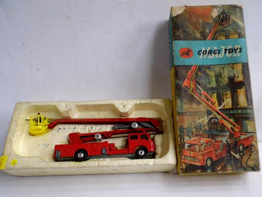 Corgi Toys Simon Snorkel fire engine in original box, with figures. No instructions