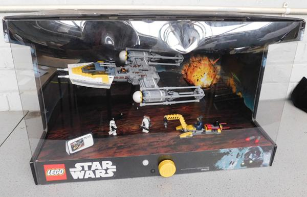 Lego Star Wars Y Wing ex shop display - with lights and movement